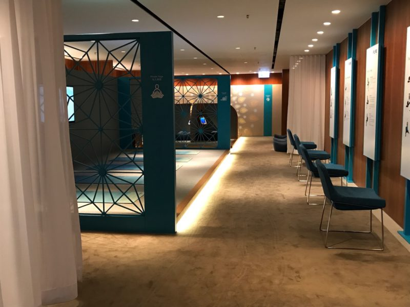 cathay pacific business class hong kong lounge the sanctuary entrance